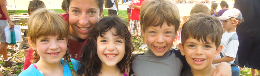 header-smiling-young-campers